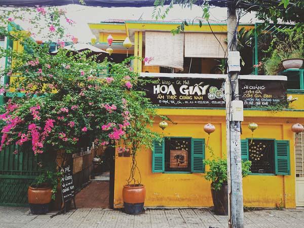 Tiệm Cà Phê Hoa Giấy - Quán cafe đẹp ở quận 3
