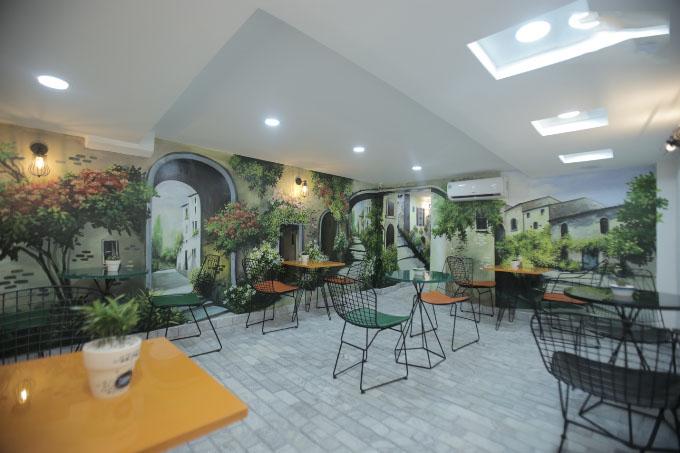 The Myra - quán cafe đẹp ở quận 5