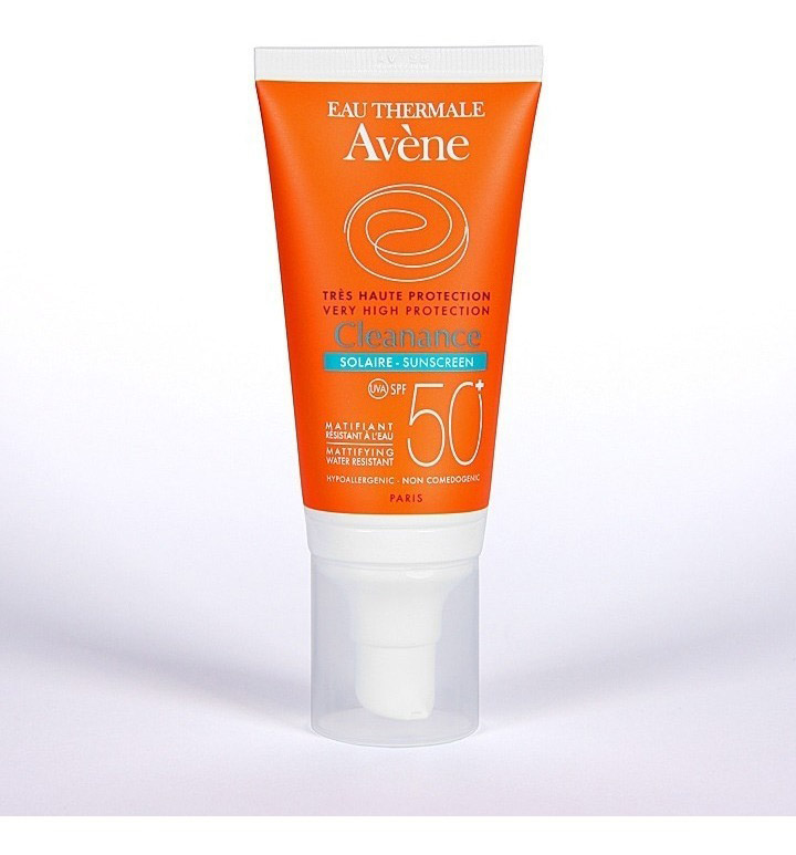 Kem chống nắng Avene Cleanance Solaire SPF 50+
