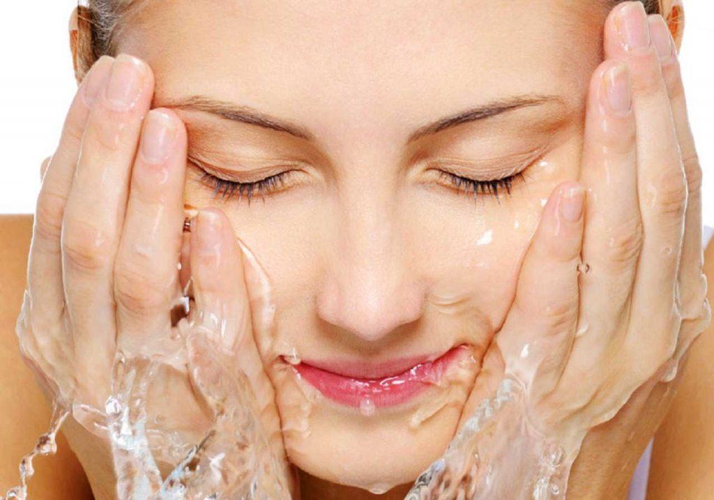 Tẩy trang và sữa rửa mặt-Các bước dưỡng da